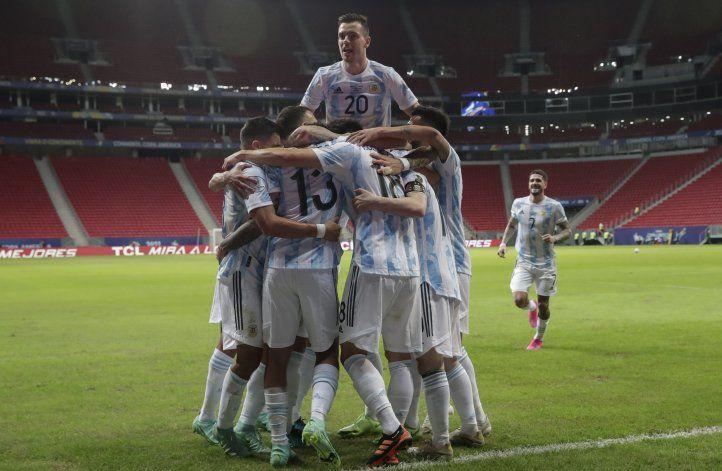 Con Messi y la historia a favor, Argentina va por Paraguay