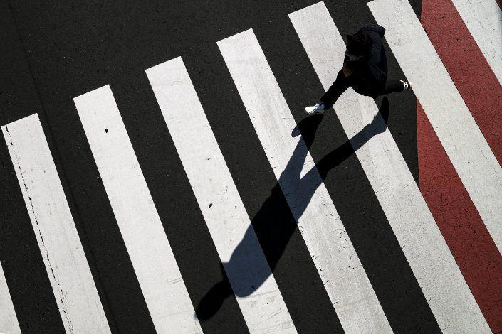 Japón intensifica control fronterizo por variantes de COVID