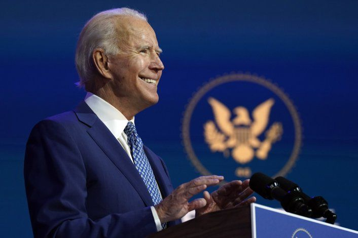 Joe Biden subió sus previsiones a 1.5 millones de dosis diarias para lograr la inmunidad colectiva en verano