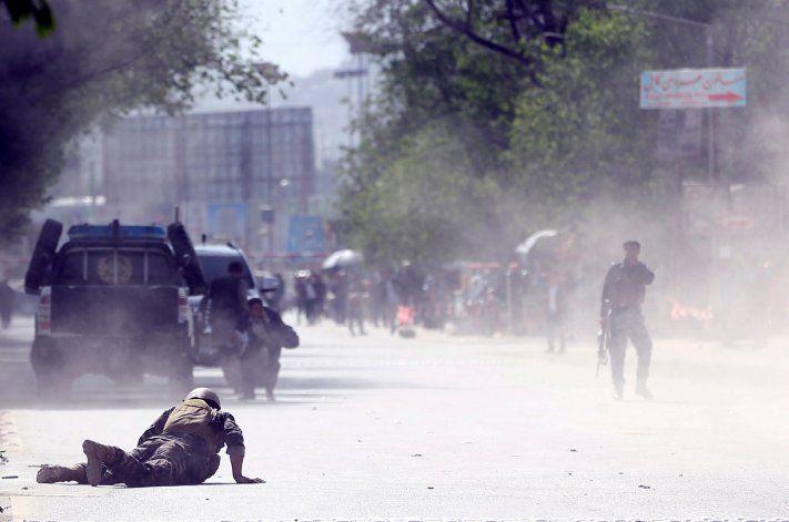 Al menos 25 muertos y más de 90 heridos en atentado con carro bomba en Afganistán