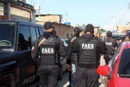 venezuela: policias de maduro ineficientes ante ataque a bandas criminales