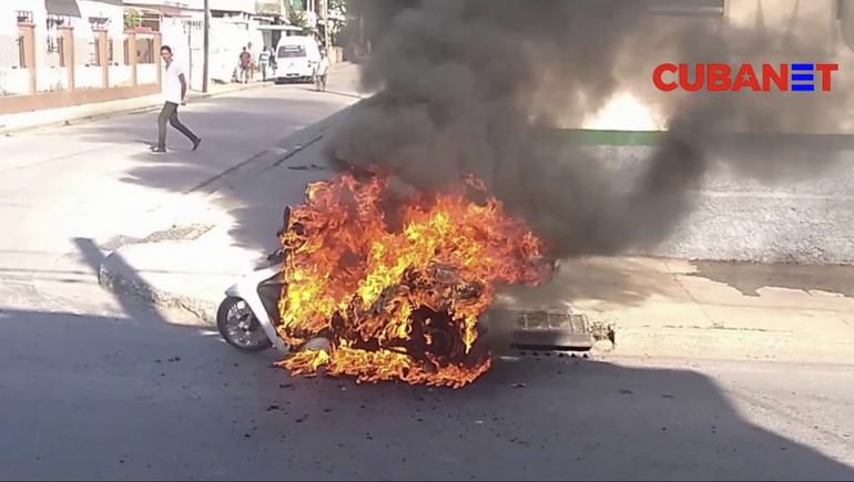 Cuba: Fallece una joven de 19 años tras explosión de una moto eléctrica, su novio quedó en estado grave