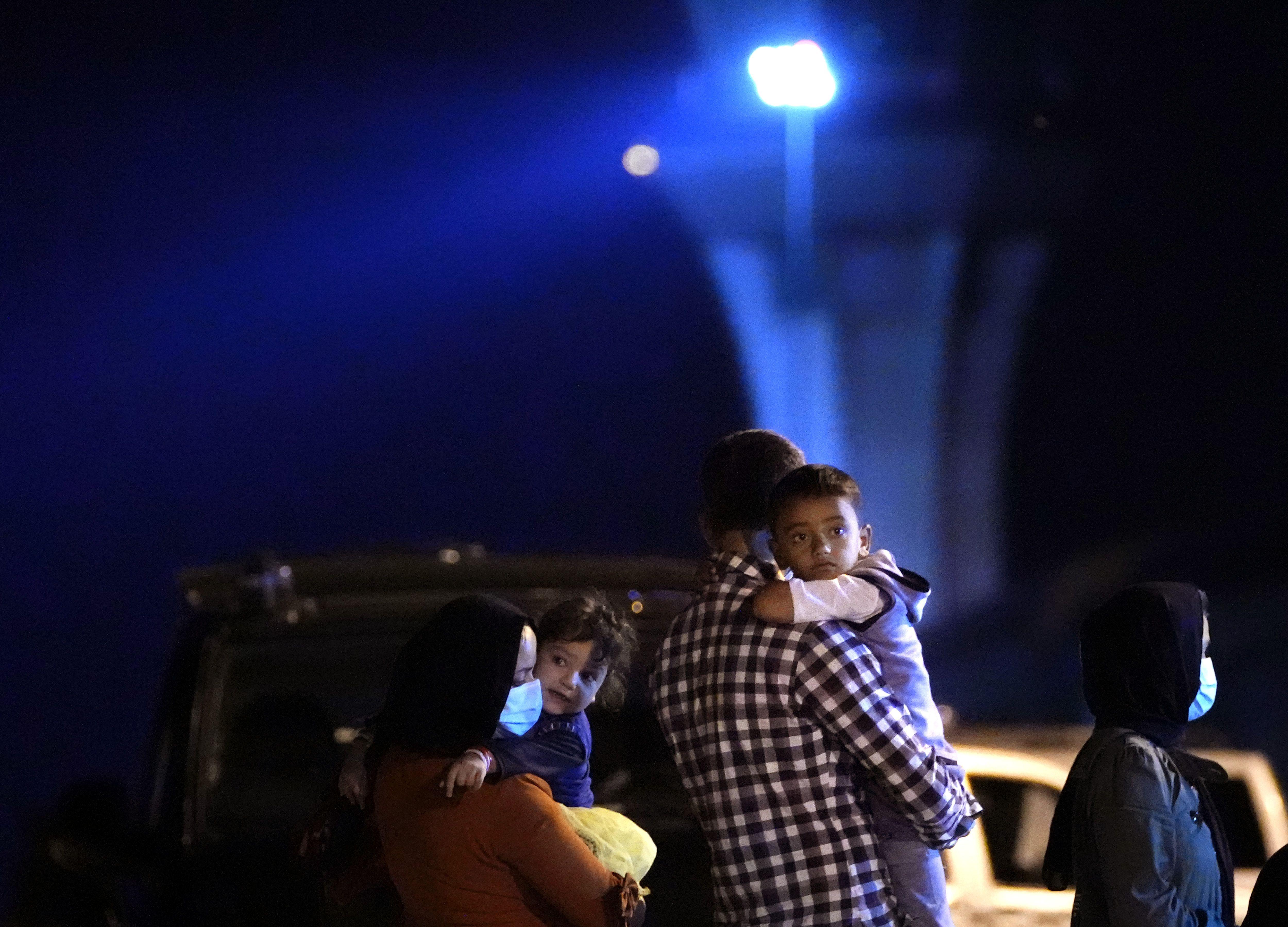 espana evacua a 160 afganos mas a traves de pakistan