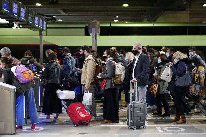 Francia: Hospitales contratan a más personal ante virus
