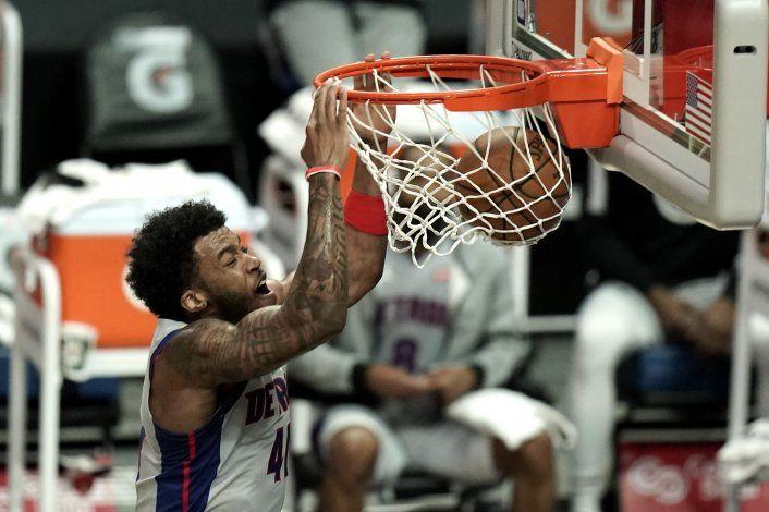 Morris anota 33 en la 5ta victoria en fila de los Clippers