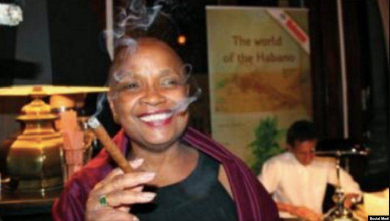 Denuncian fiestas y despilfarro de diplomática cubana en Bélgica
