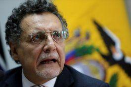 la justicia ecuatoriana dicto la prision preventiva al contralor del estado por un caso de corrupcion