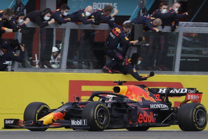 Verstappen derrota a Hamilton en Emilia-Romagna