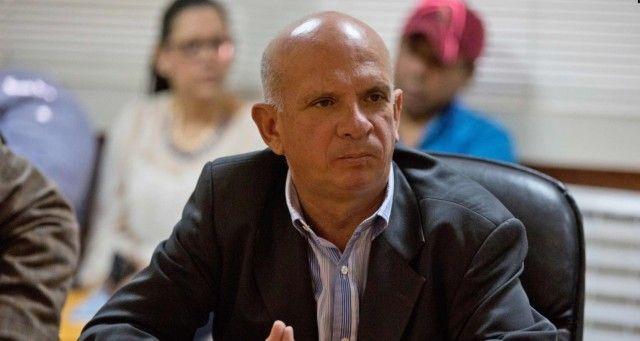hugo el pollo entrega al juez documentacion de pagos del regimen chavista a fundadores de podemos.