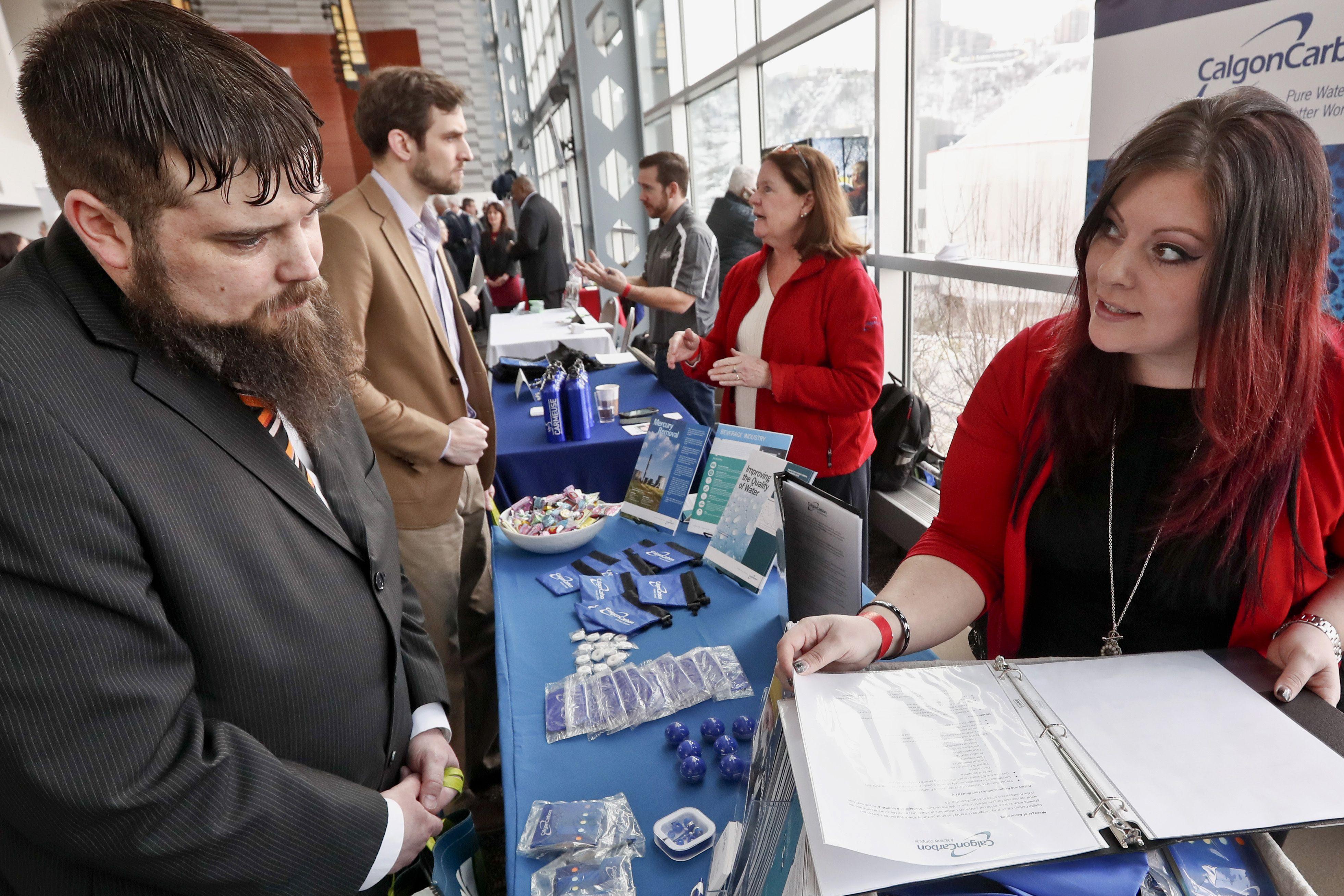 Indice de desempleo baja a 6.7 por ciento