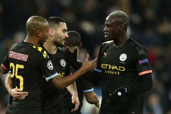 El City somete 2-1 al Real Madrid con goles tardíos