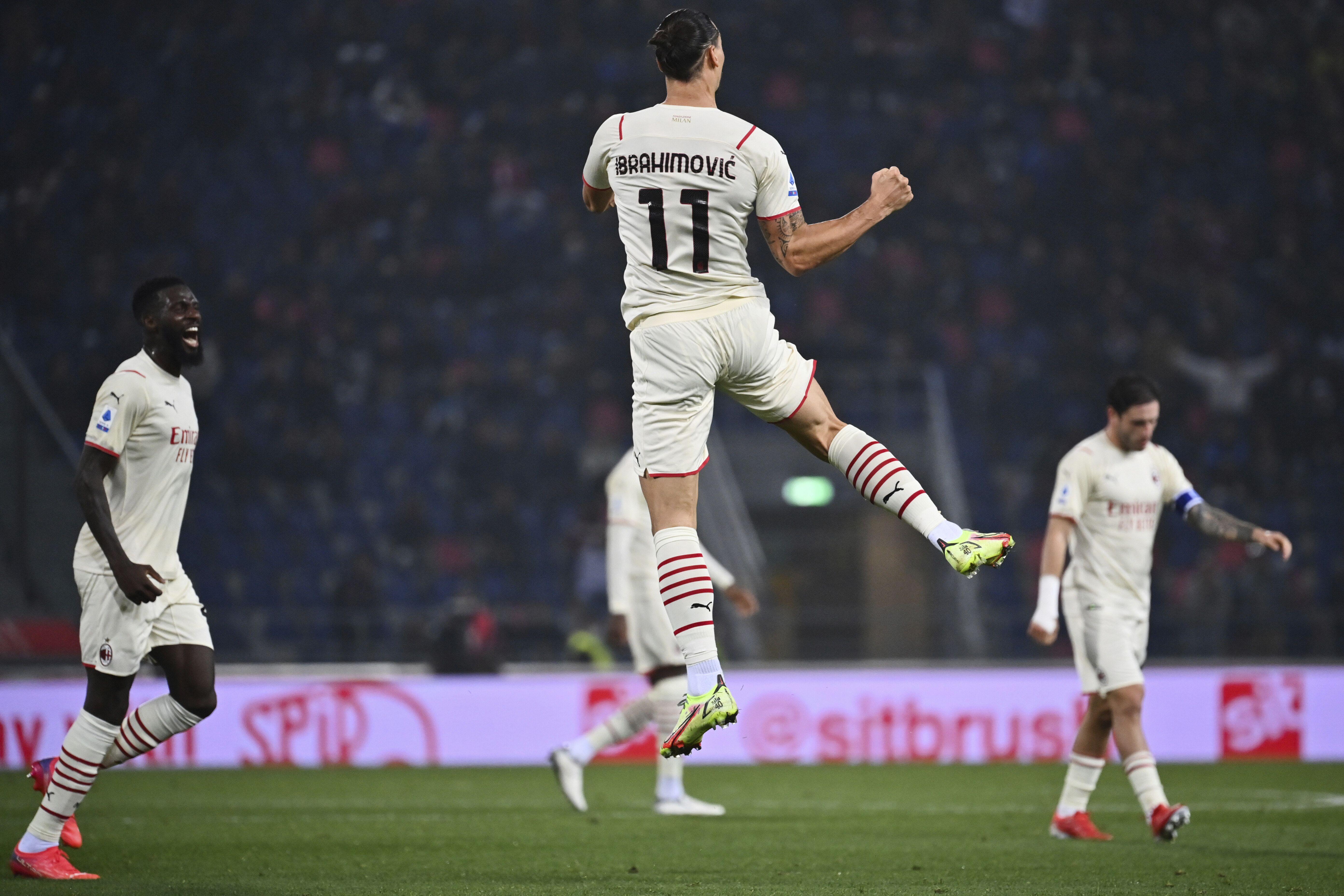 milan vence con goles postreros a bologna, que termina con 9