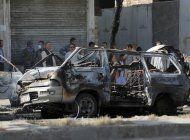 bombas contra furgonetas en afganistan: siete muertos