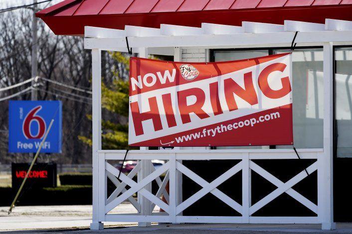 EEUU: Caen solicitudes de ayuda por desempleo