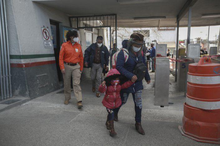 Se agilizan cruces de solicitantes de asilo de México a EEUU