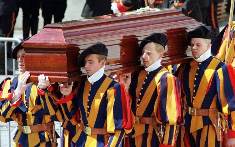 Cardenal interviene en caso sobre muerte de guardias suizos