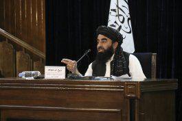 afganistan: taliban disuelve protesta, arresta periodistas