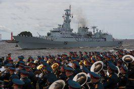 rusia conmemora el 325to aniversario de su armada