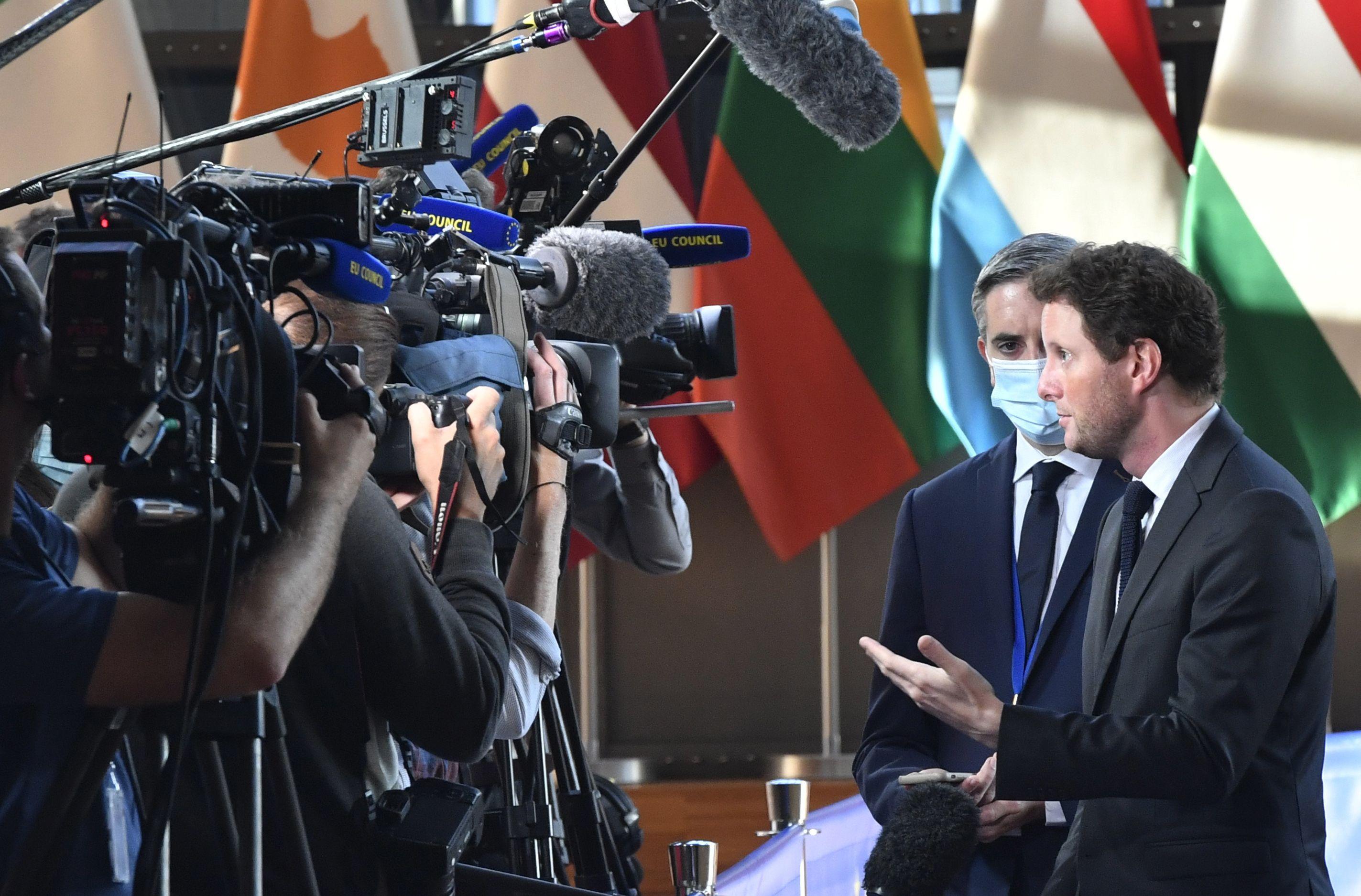 francia acude a ue tras cancelacion de acuerdo con australia