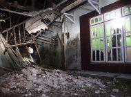 fuerte sismo deja al menos 8 muertos y danos en isla de java