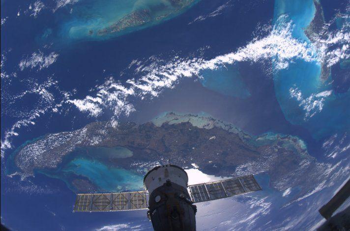 Ron DeSantis tratará de dar acceso libre a internet a toda Cuba a través de un Satelite
