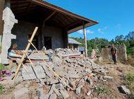 un terremoto remece bali, deja al menos tres fallecidos
