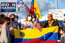 arcadia foundation da una mano a los venezolanos que soliciten el estatus migratorio de proteccion temporal (tps) en los eeuu