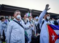 medicos cubanos en argelia denuncian que el regimen retiene la mensualidad de $300 a sus familiares en la isla