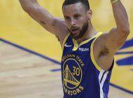 curry atina 11 triples y anota 49 puntos; warriors ganan