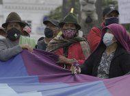 marcha indigena en ecuador contra el alza de combustibles