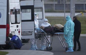 Rusia rompe marcas de infecciones y muertes por COVID-19