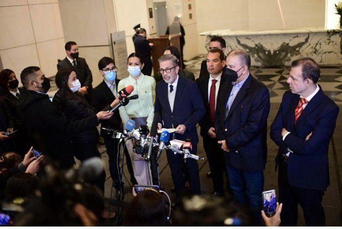 Chavismo y oposición anuncian dos acuerdos tras diálogo en México
