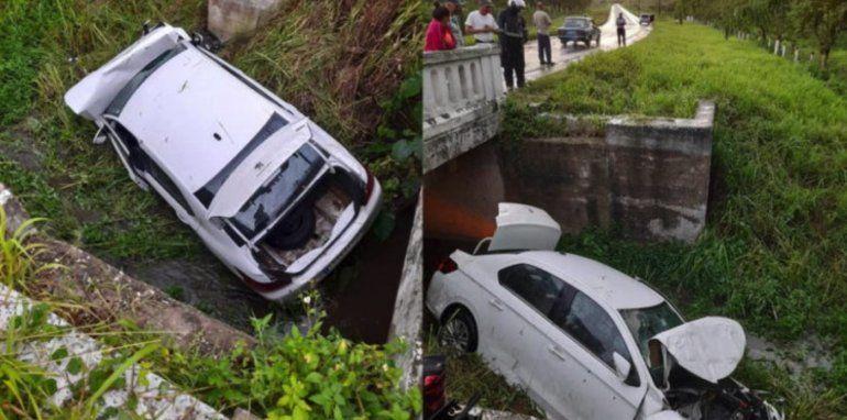 Automóvil de turismo cae por un puente y deja dos personas heridas en Camagüey