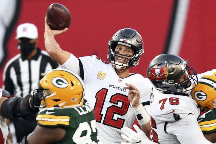 Brady supera a Rodgers, y Bucs aplastan 38-10 a Packers