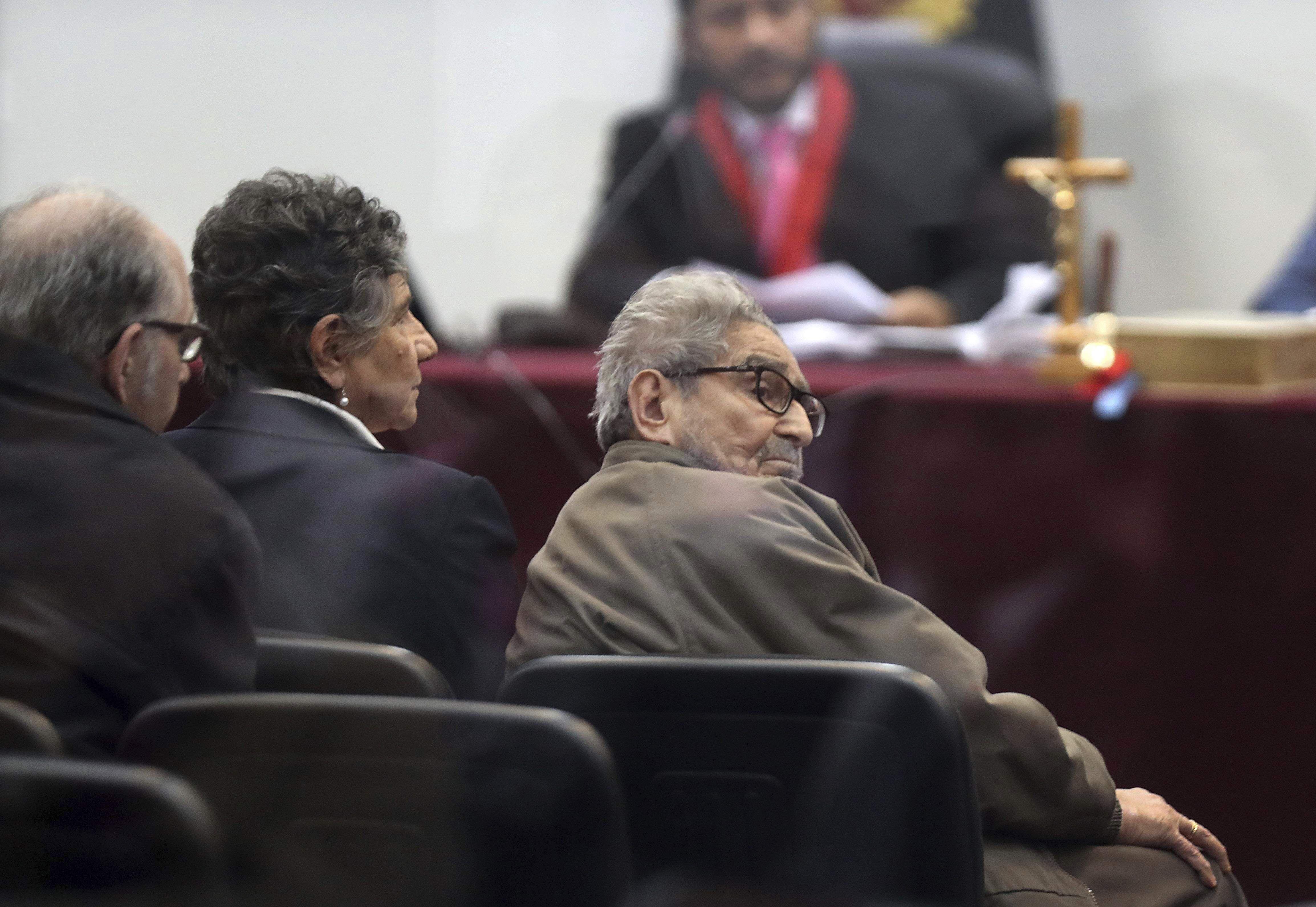 peru: avanza en congreso ley para cremar a abimael guzman