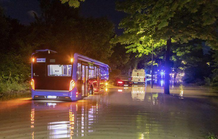 Granizada provoca inundación, heridos en suroeste Alemania