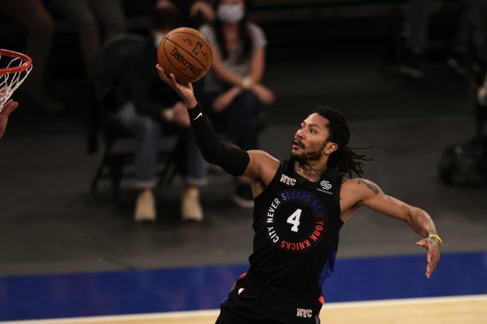Derrick Rose eleva a los Knicks en el triunfo ante Pelicans
