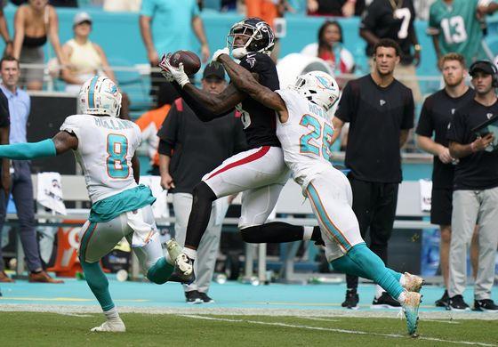 Falcons vencen a Miami con 336 yardas de Ryan