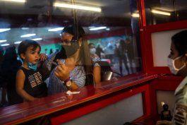 ¿otra forma de recaudar dolares?: gobierno cubano saca provecho a viajeros falsos positivos a covid-19