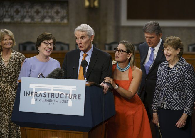 EEUU: Senado vota discutir proyecto de infraestructura