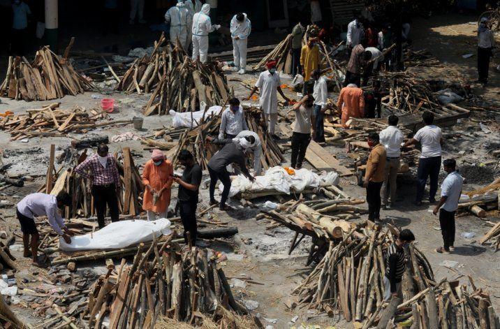 En medio del drama más profundo, llegó a India el primer cargamento de ayuda médica de los Estados Unidos