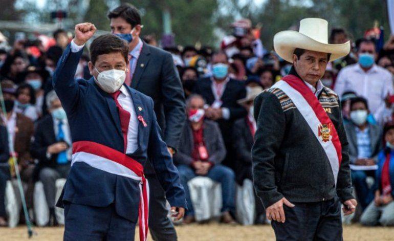 Castillo nombra como premier de su Gobierno a un simpatizante del castrismo