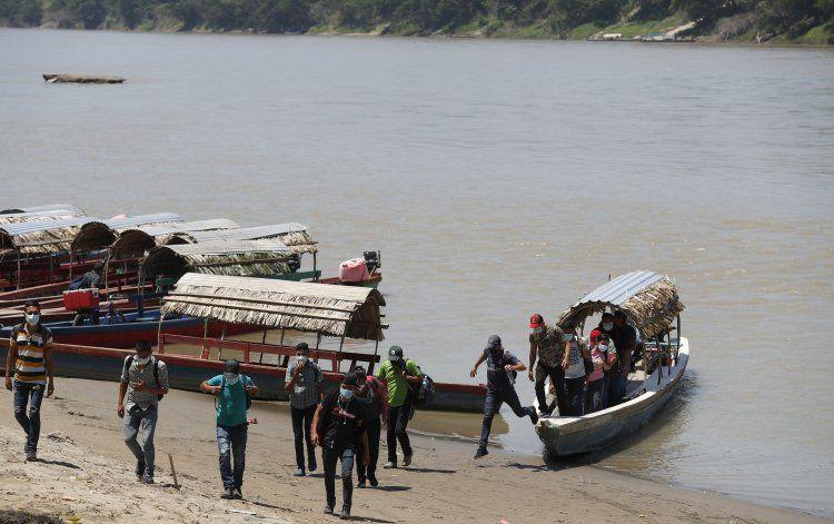 México prevé oleadas constantes y crecientes de migrantes
