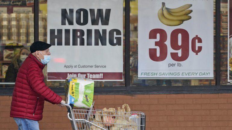 Caen solicitudes de ayuda por desempleo en EEUU