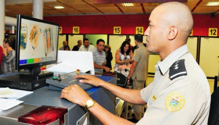 La Aduana cubana aumenta la vigilancia sobre los fármacos importados por los viajeros