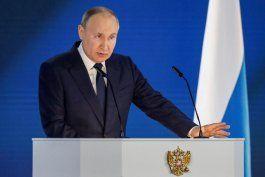 Vladimir Putin durante el discurso sobre el estado de la nación. EFE/EPA/MAXIM SHIPENKOV