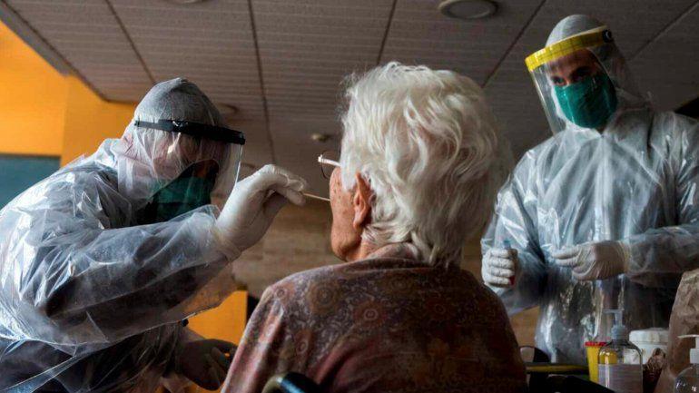 Personas de 55 a 64 años en Miami  podrían vacunarse contra el Coronavirus a partir del miércoles