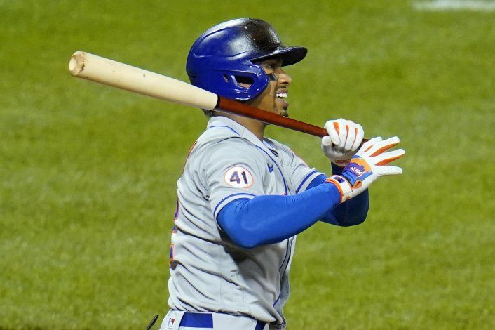 Piratas vencen a Mets; Lindor se lesiona