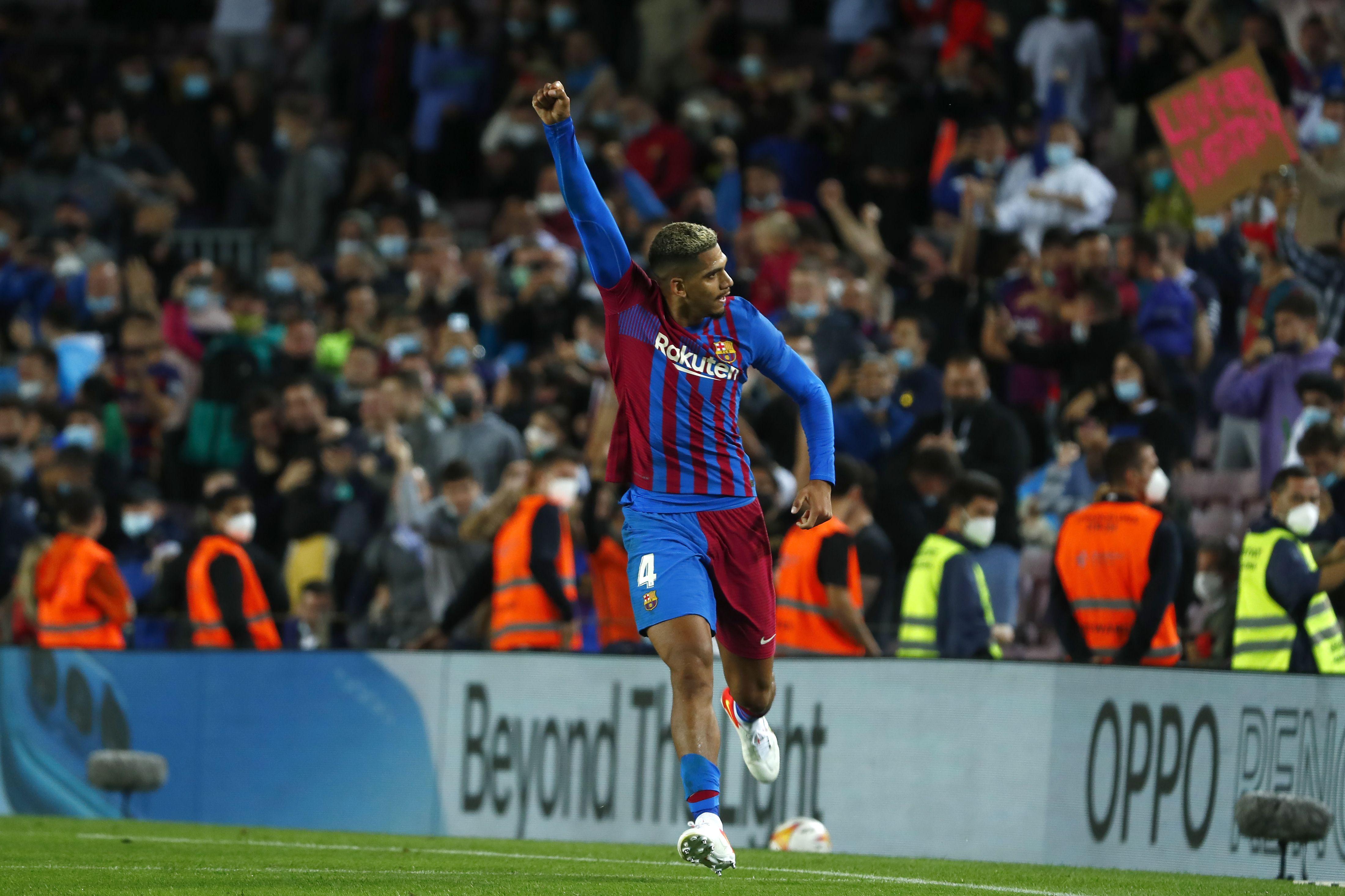 el barcelona rescata empate 1-1 en casa contra el granada