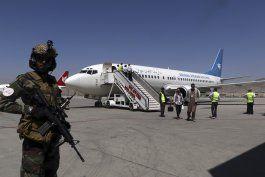 jefe de la cruz roja visita afganistan
